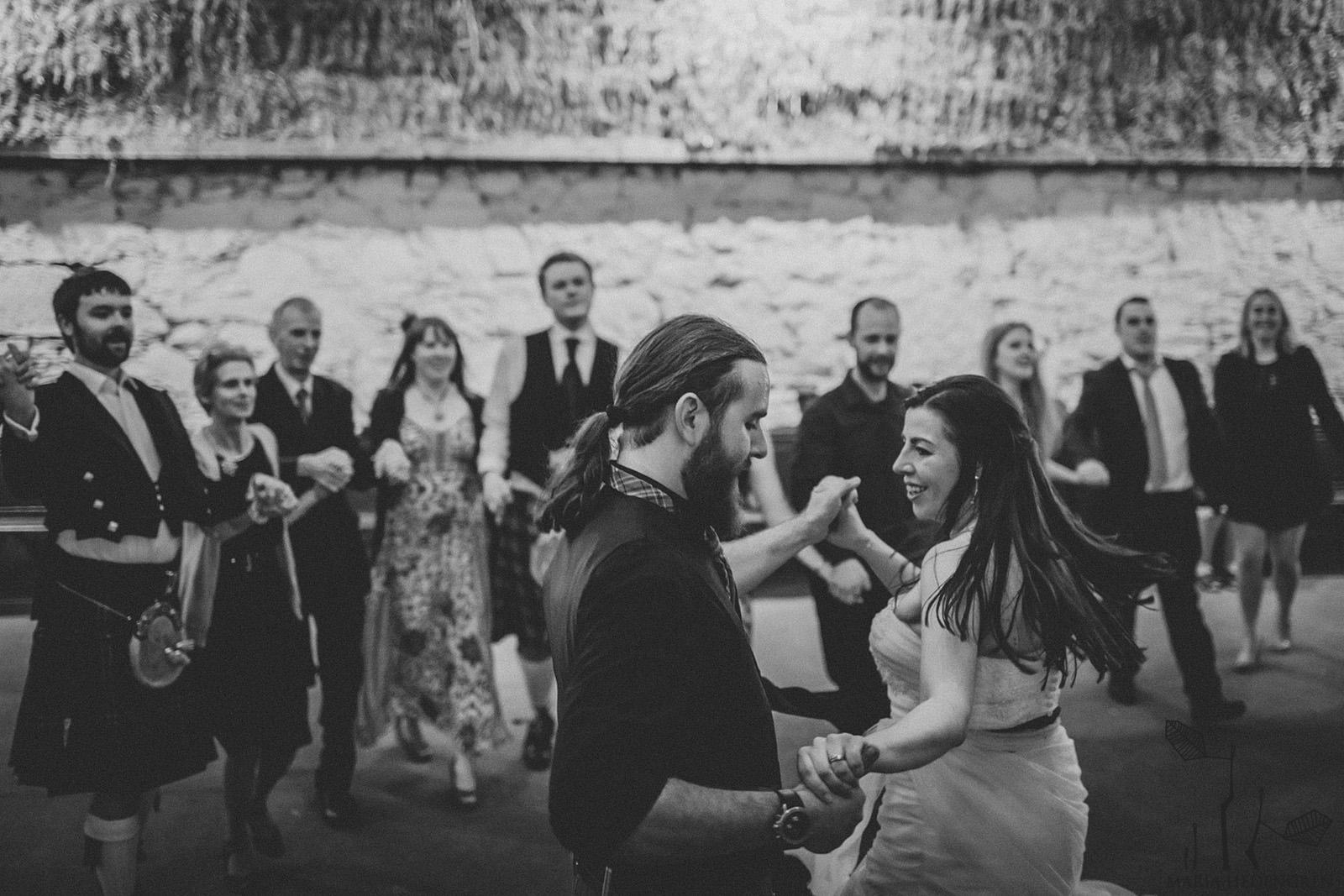 Auld Lang Syne dance