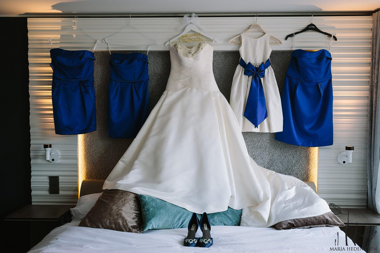 navy blue wedding details