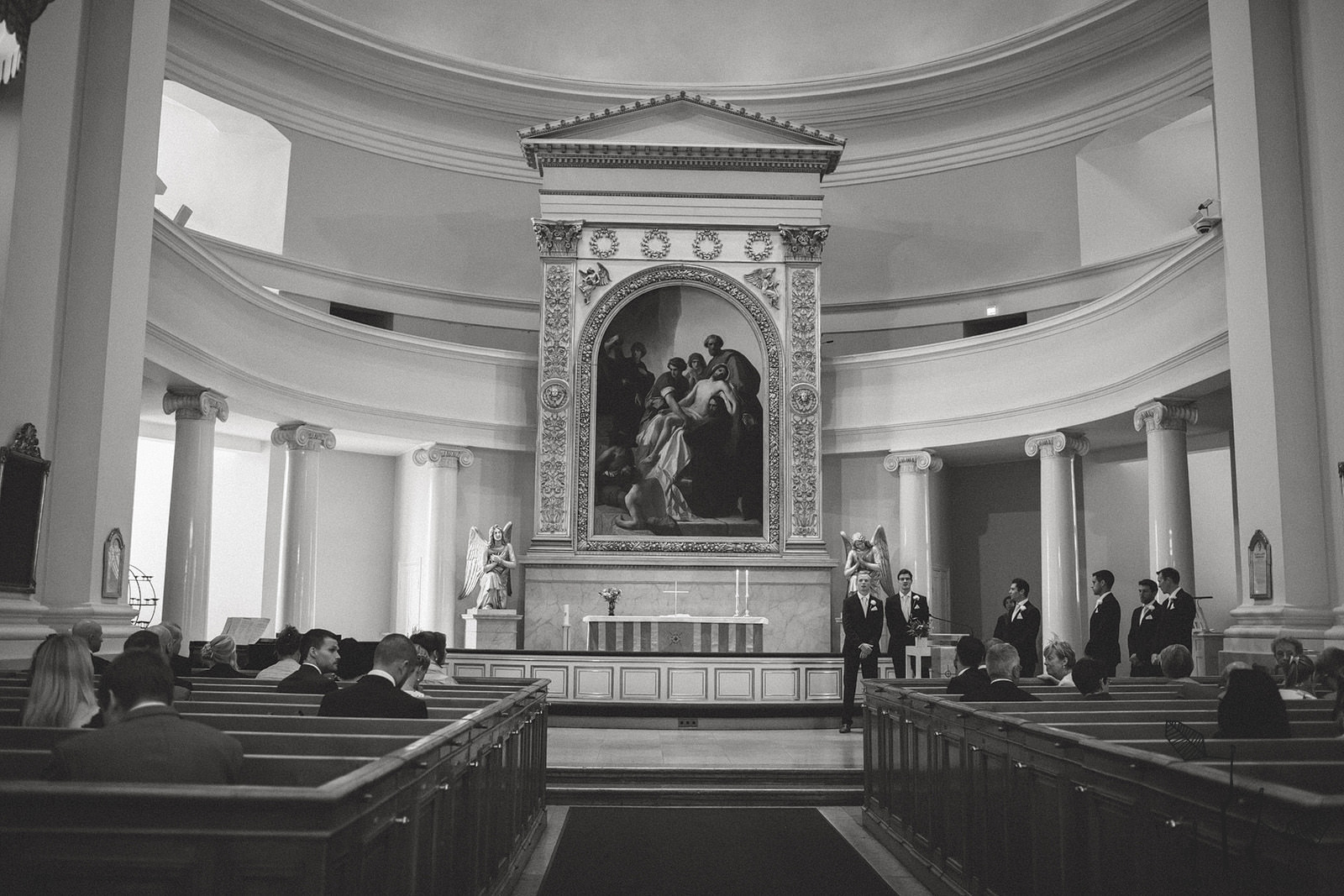 wedding in Helsinki cathedral