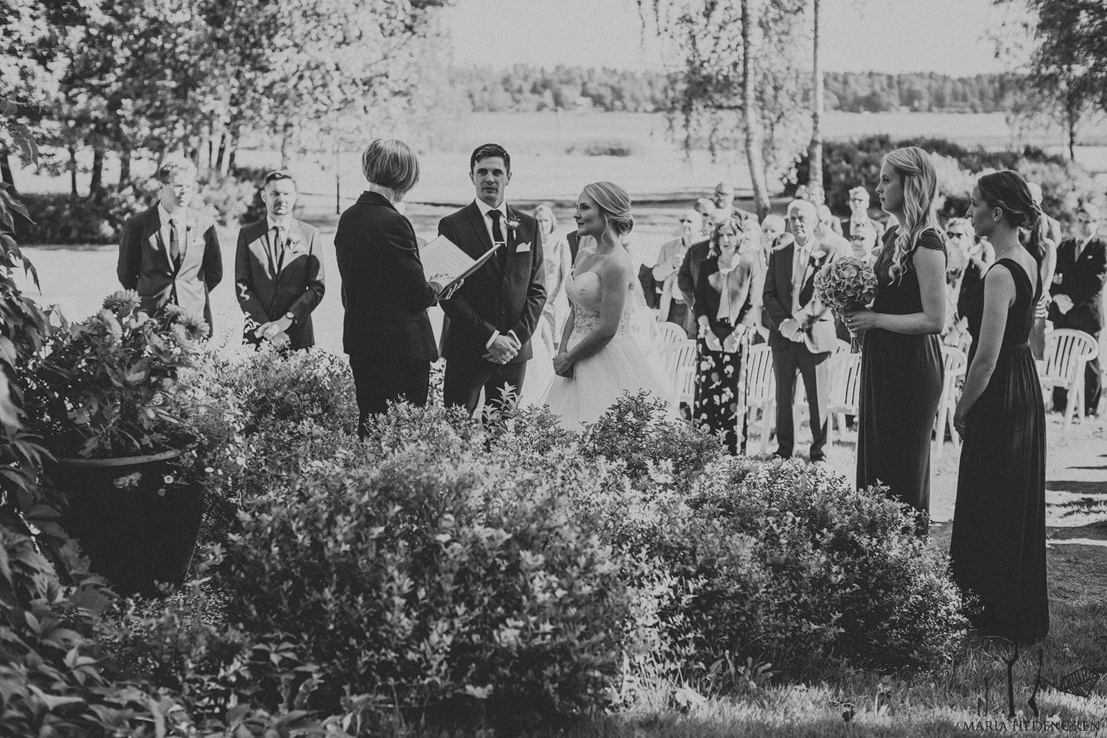 outdoor wedding in Finland