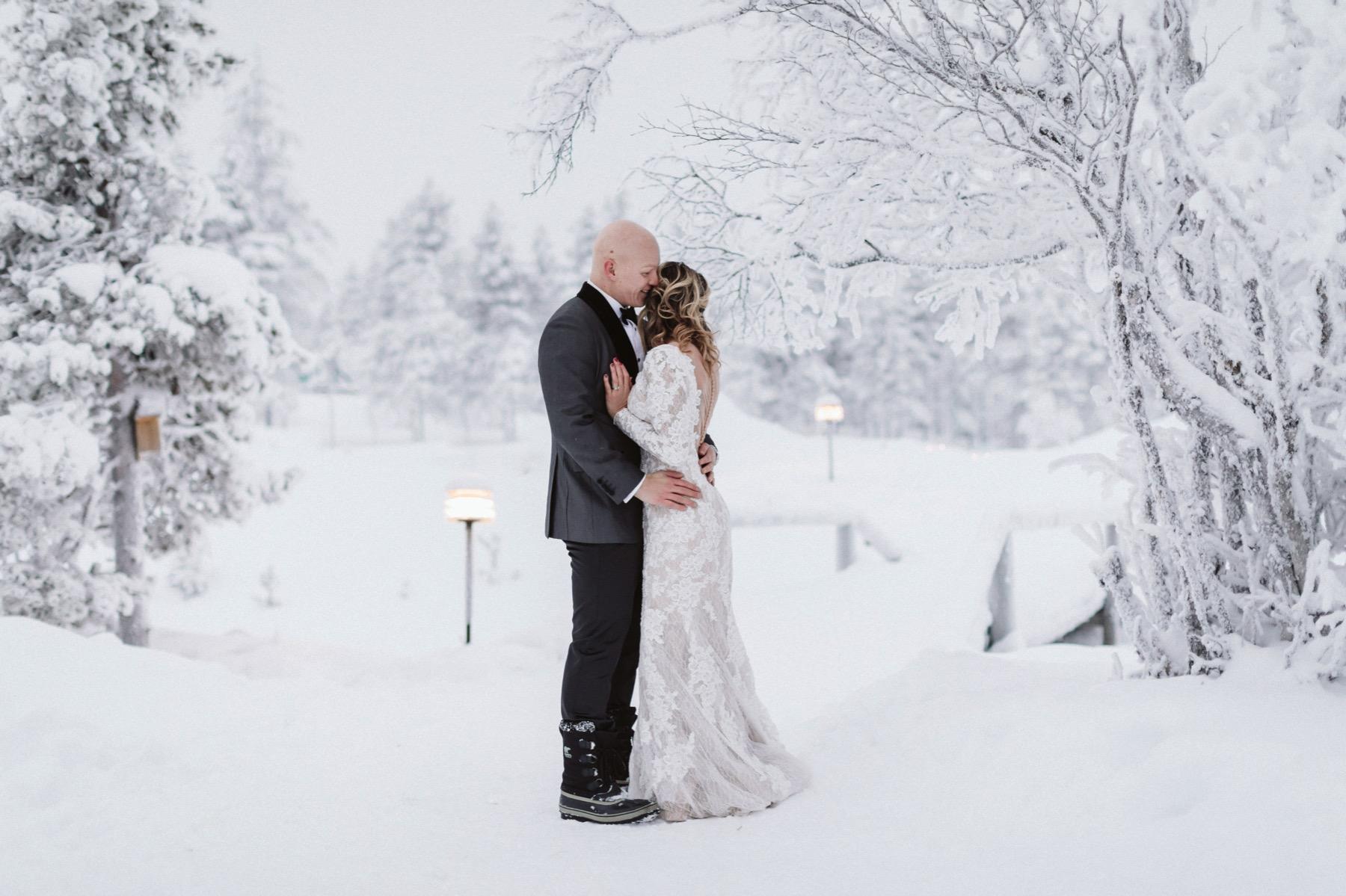 winter elopement Lapland